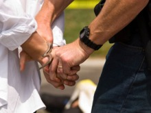Handcuffing2