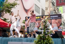 dance_scmpost_03jun11_ns_dance4_image001_22297685
